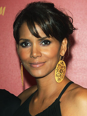 http://evasitoe.files.wordpress.com/2008/02/halle_berry.jpg