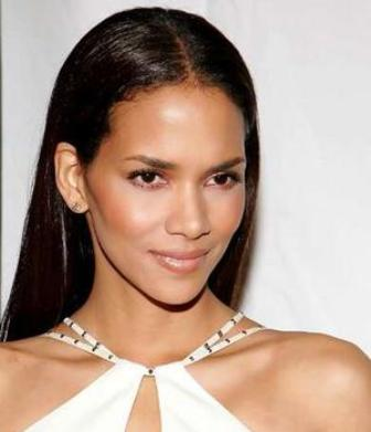 halle_berry2_narrowweb__300x4230.jpg